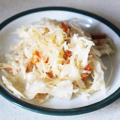 Овощной салат с дайконом и соевым соусом - рецепт с фото