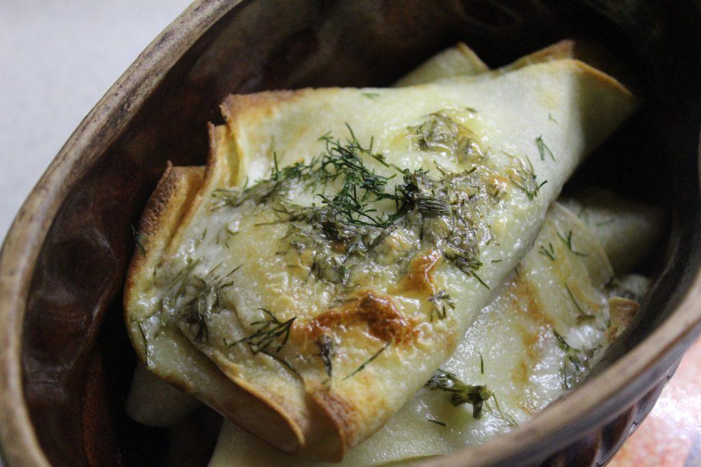 Фото рецепта - Запеченные блины с грибами и луком - шаг 10
