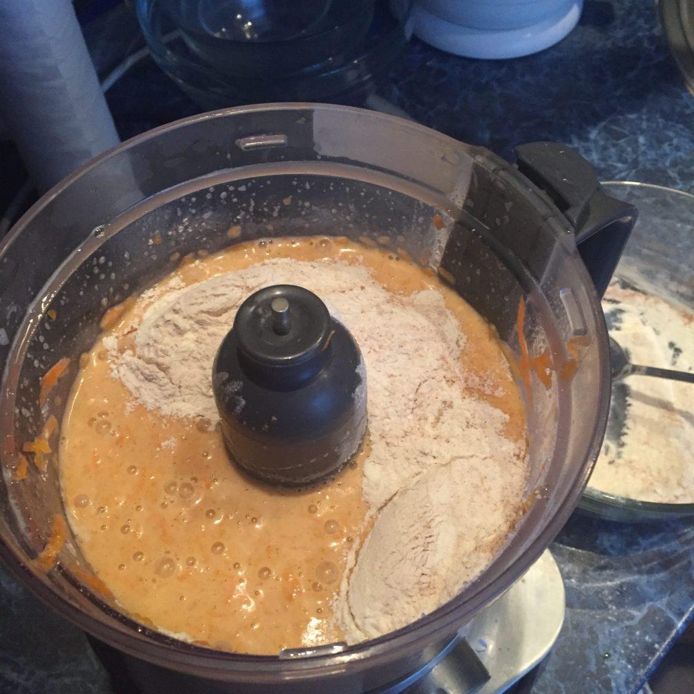 Фото рецепта - Морковно-тыквенные кексы - шаг 6