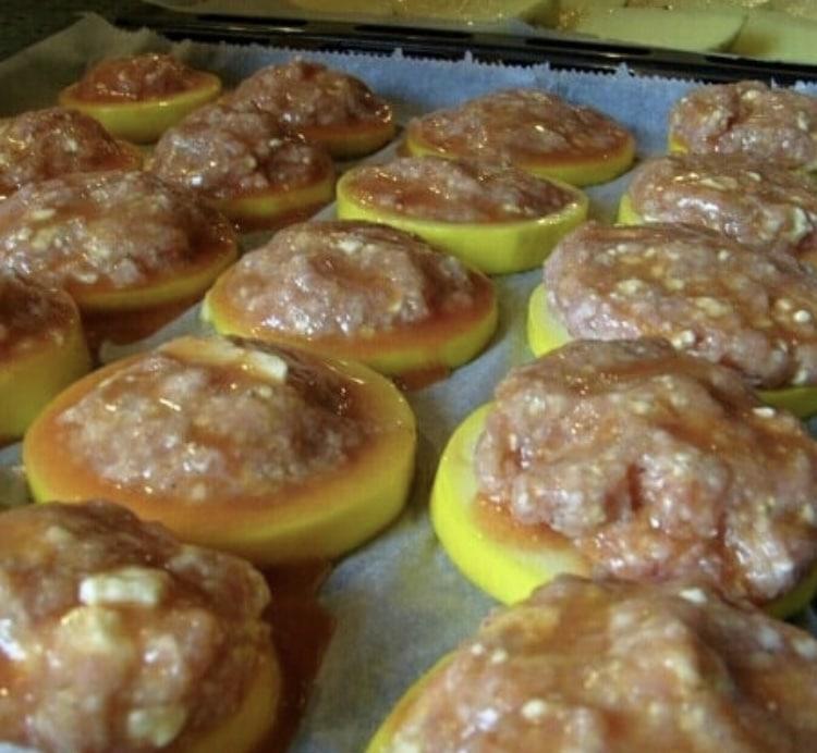 Фото рецепта - Кабачки запеченные в духовке с фаршем - шаг 3