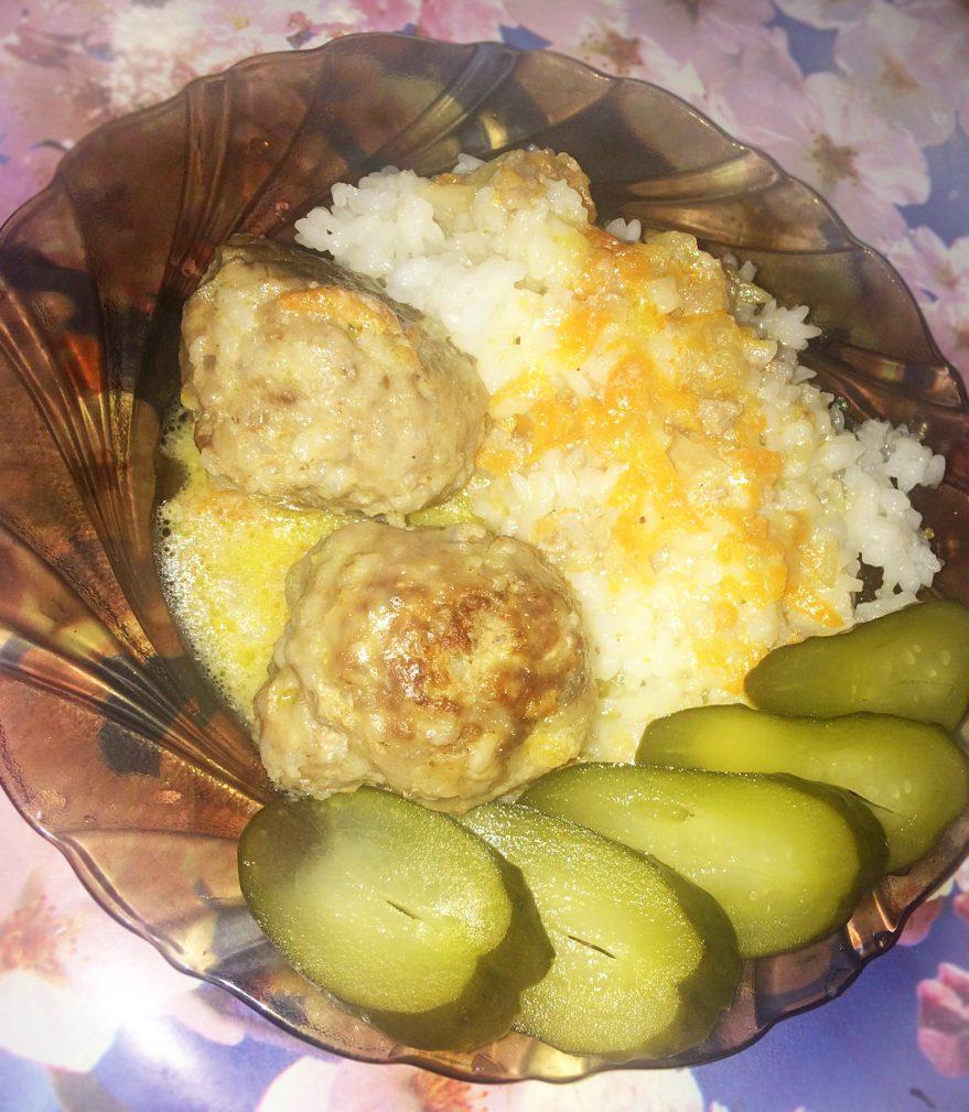 Фото рецепта - Мясные шарики с рисом в сметанном соусе - шаг 7
