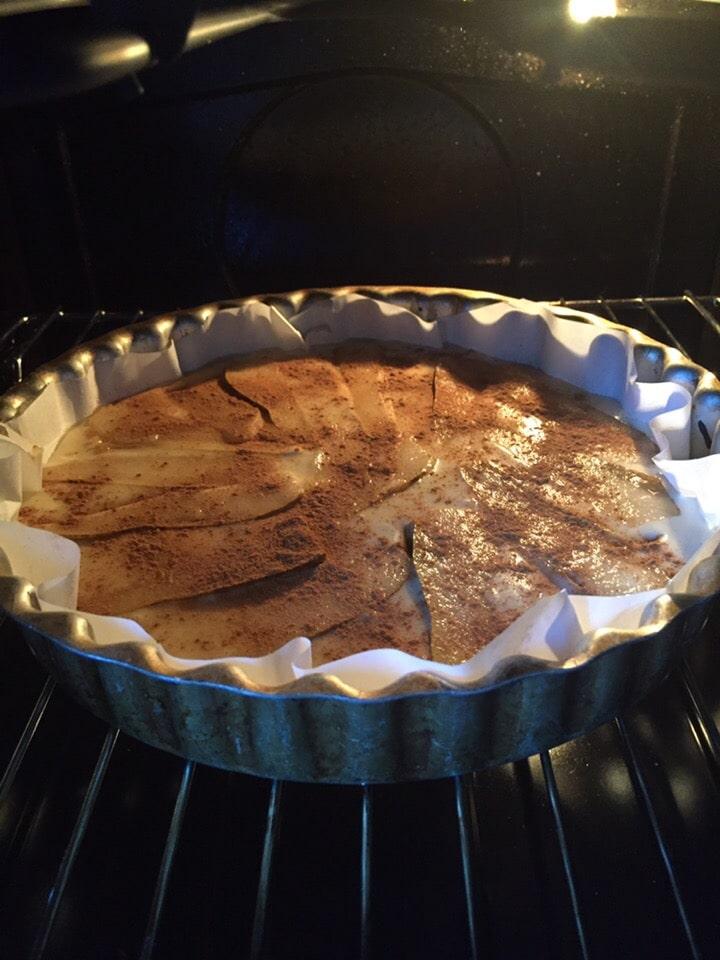Фото рецепта - Грушевый пирог на сметане - шаг 10
