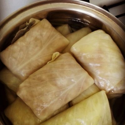 Фото рецепта - Голубцы с фаршем и рисом в подливе - шаг 7