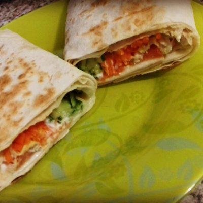 Шаурма домашняя с куриной начинкой и овощами - рецепт с фото
