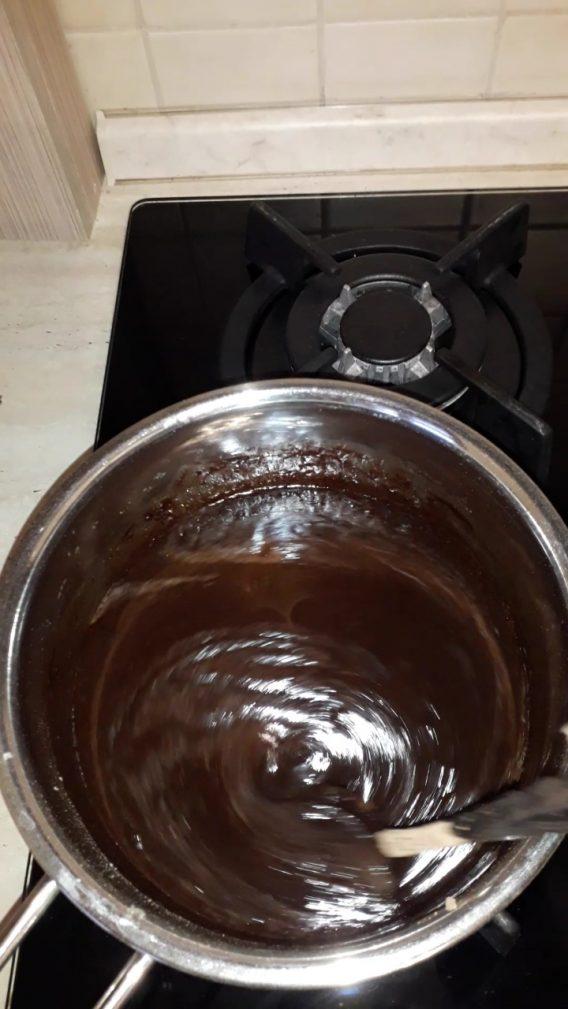 Фото рецепта - Шоколадный пирог на молоке - шаг 2