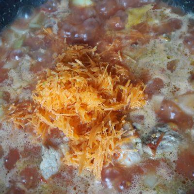 Фото рецепта - Нежная свининка в томате - шаг 6