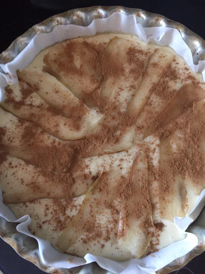 Фото рецепта - Грушевый пирог на сметане - шаг 9