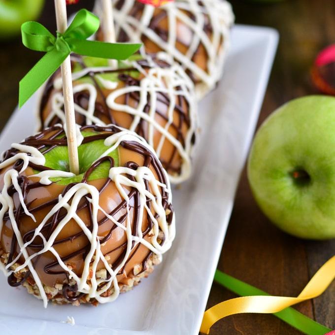 Яблоки в сахарной глазури (карамели)