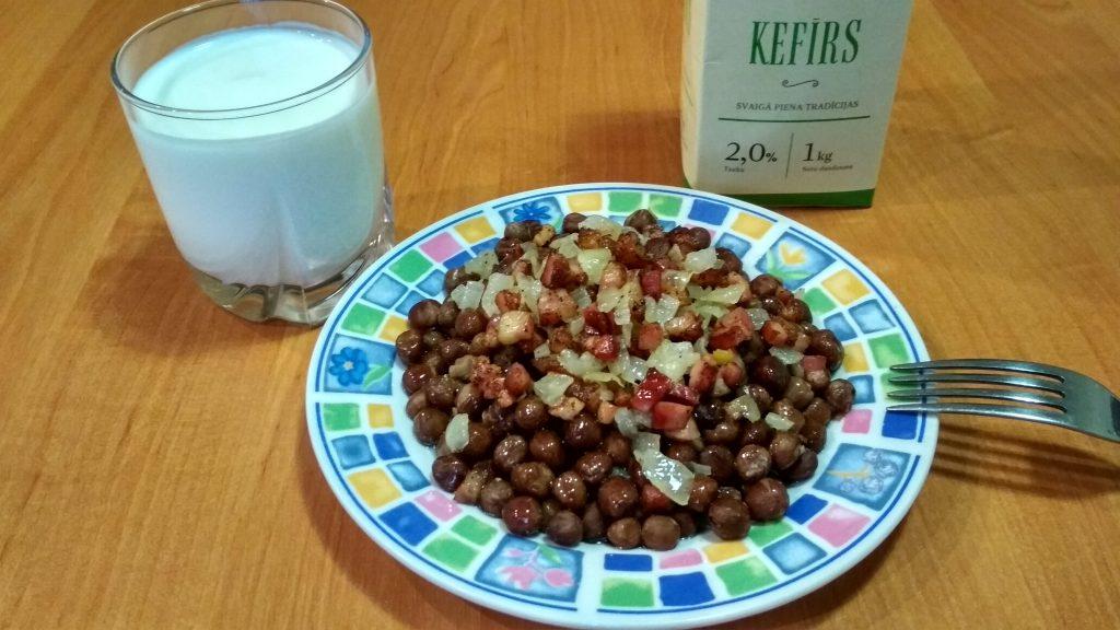 Фото рецепта - Серый горох со шпеком (гарнир) - шаг 8