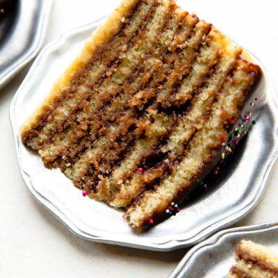 Слоеный шоколадный торт (на сковороде) - рецепт с фото