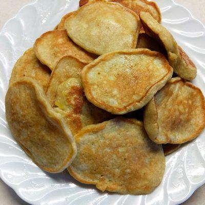 Яблочные оладьи на кефире - рецепт с фото