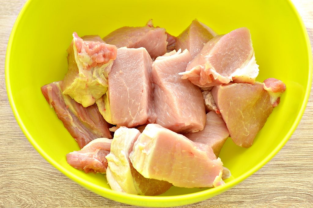 Фото рецепта - Шашлык из свинины на решетке - шаг 1