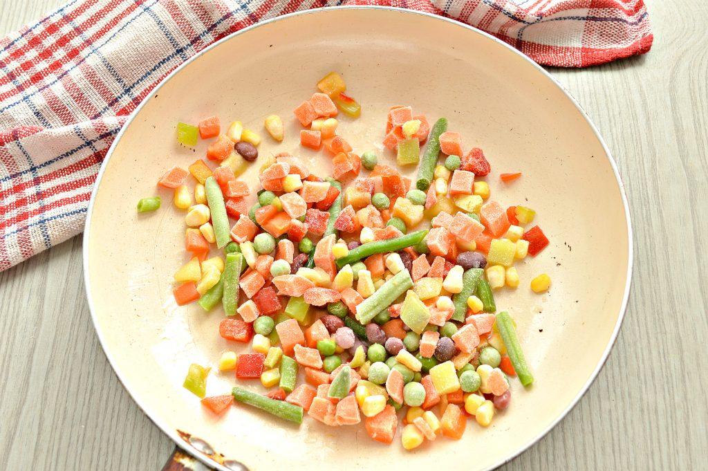 Фото рецепта - Макароны с овощами и сыром - шаг 2