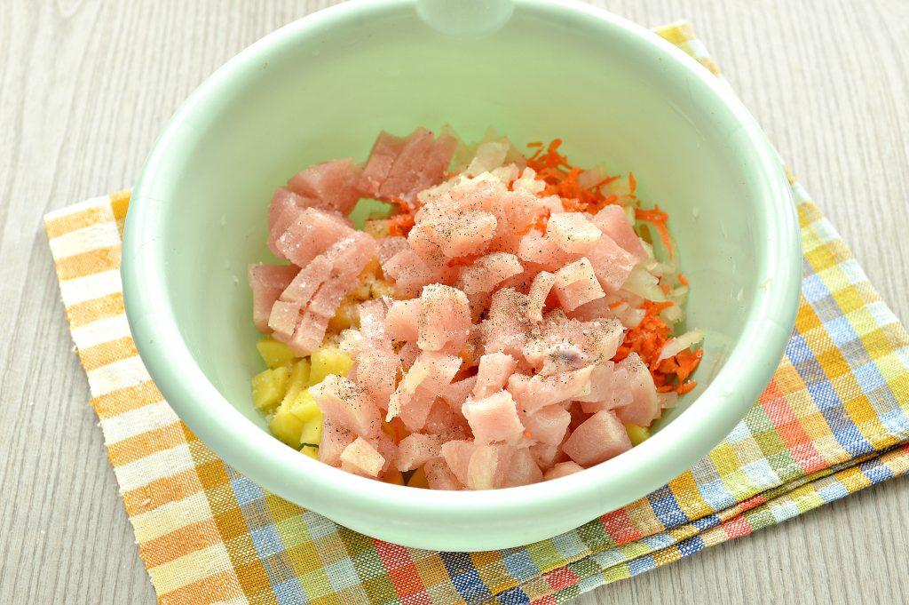 Фото рецепта - Пирог с начинкой из картофеля и курицы - шаг 3