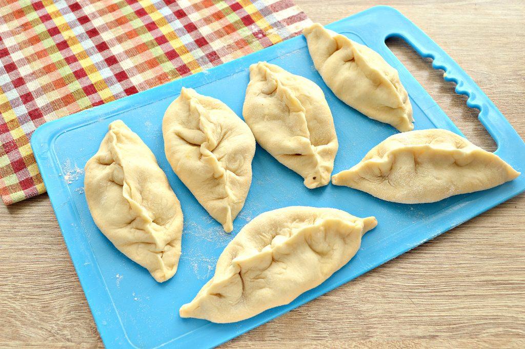 Жареные пирожки с картофельным пюре и луком - рецепт пошаговый с фото