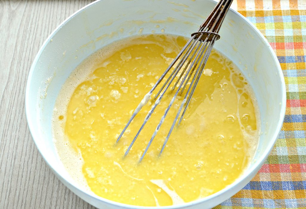 Фото рецепта - Идеальные блины на молоке и сливочном масле - шаг 5