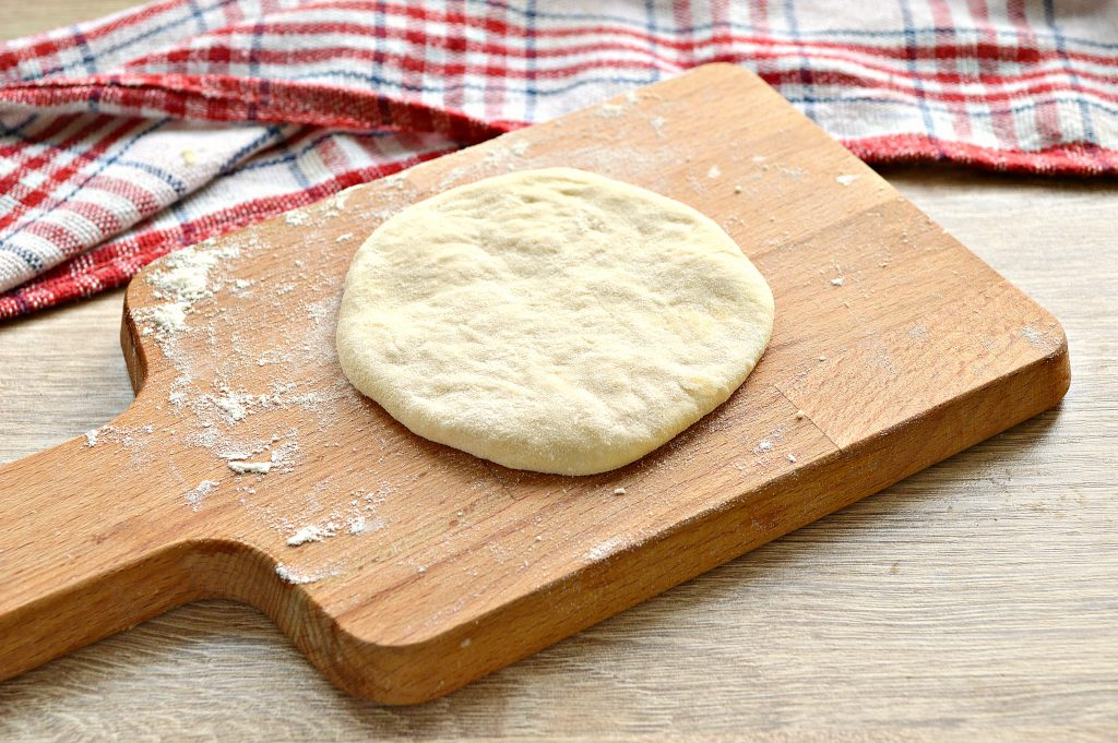 Фото рецепта - Лепешки на сковороде с сырной начинкой - шаг 5