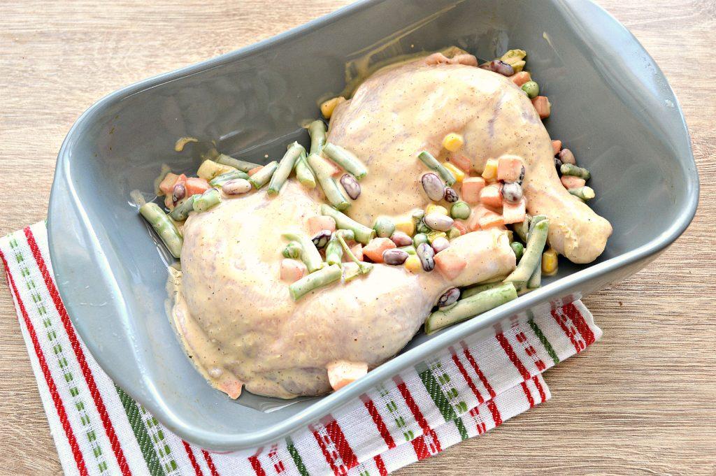 Фото рецепта - Окорочка куриные с овощами в духовке - шаг 6