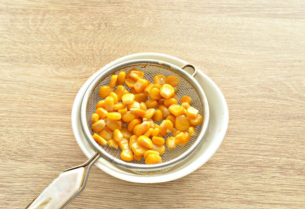 Фото рецепта - Вкусный винегрет с кукурузой и маринованной капустой - шаг 6