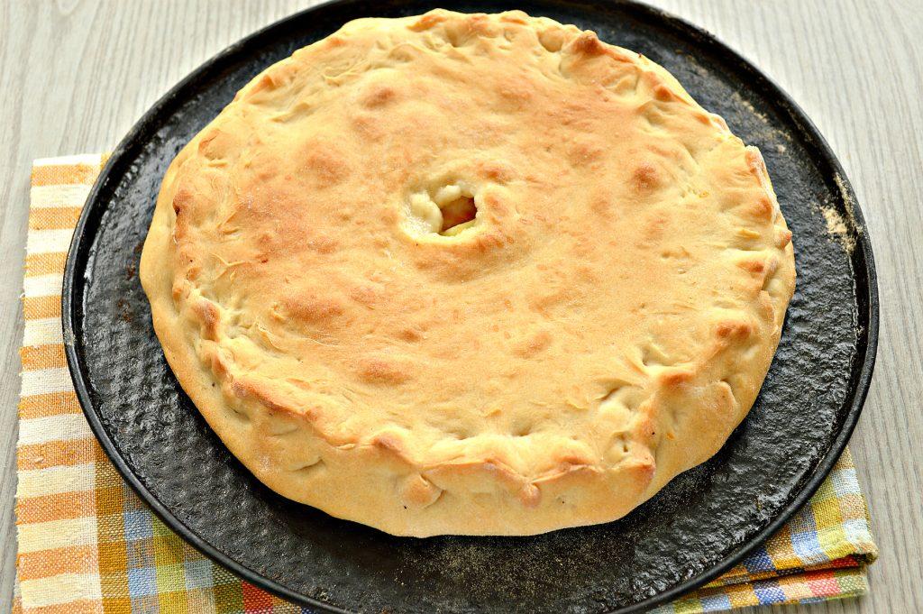 Фото рецепта - Пирог с начинкой из картофеля и курицы - шаг 6