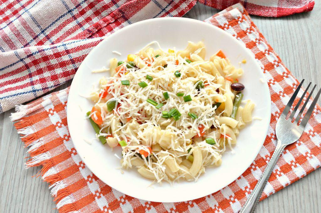 Фото рецепта - Макароны с овощами и сыром - шаг 7