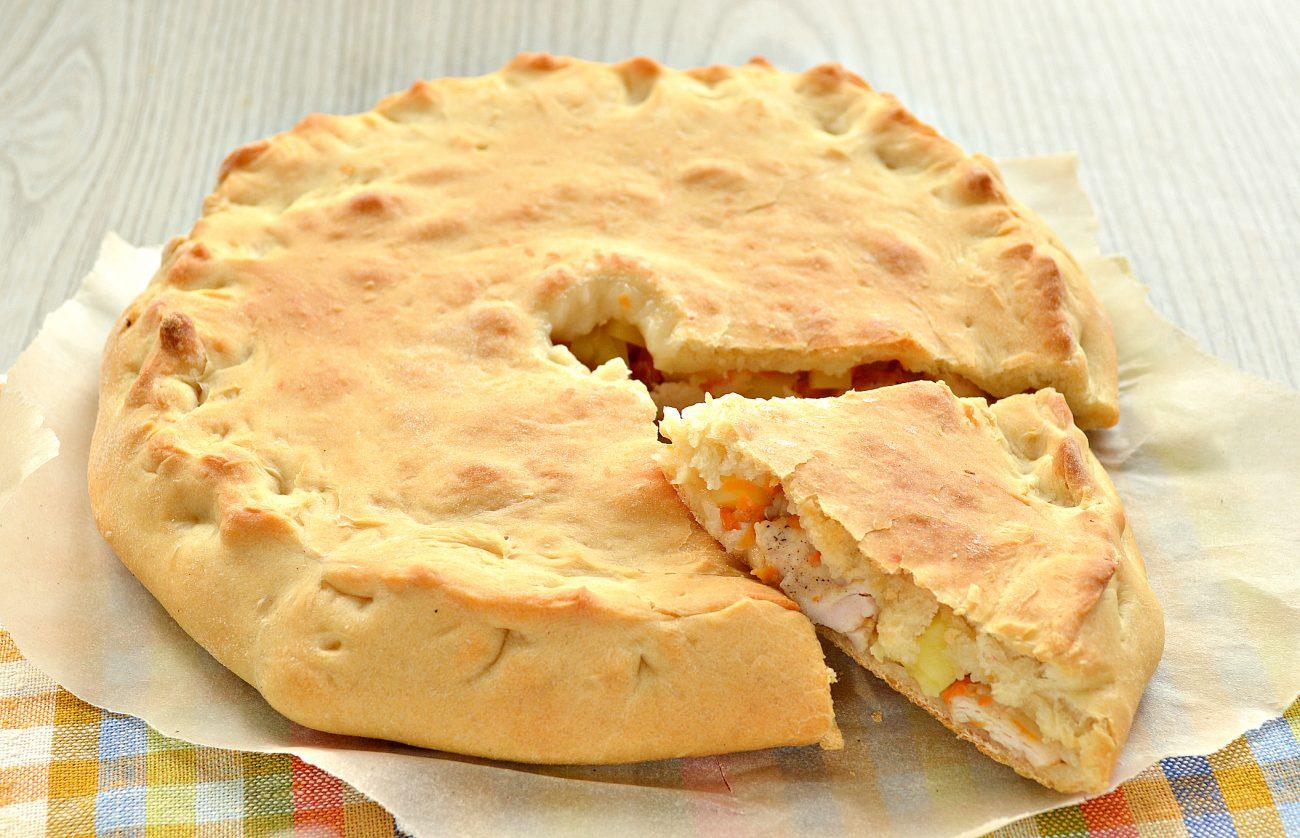 Пирог с начинкой из картофеля и курицы