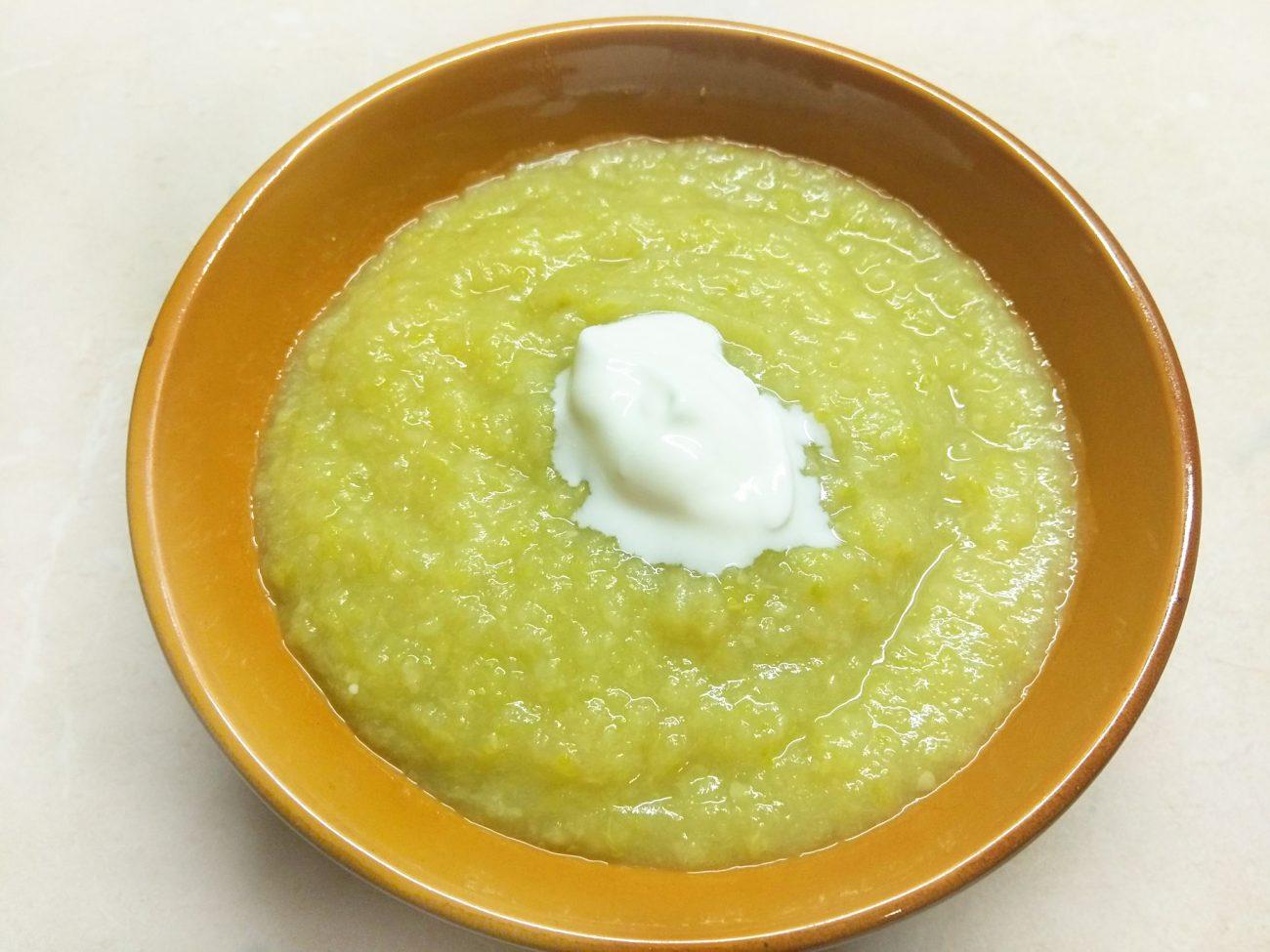 Суп-пюре из сельдерея, кабачков и картофеля