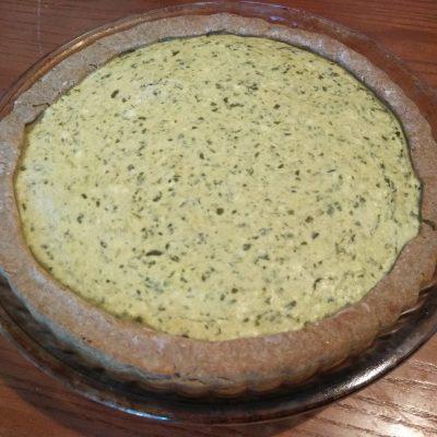 Фото рецепта - Картофельный киш с творогом и щавелем - шаг 6