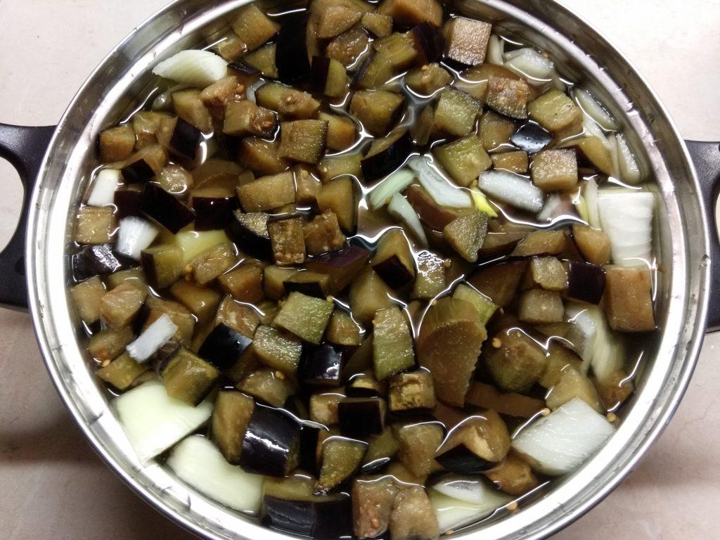 Фото рецепта - Суп-пюре из баклажанов на рыбном бульоне - шаг 3