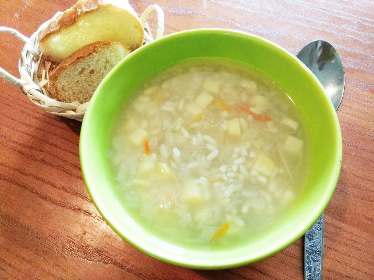 Суп из квашеной капусты и риса