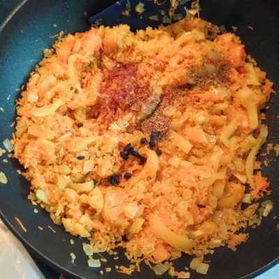 Фото рецепта - Булгур с болгарским перцем - шаг 5