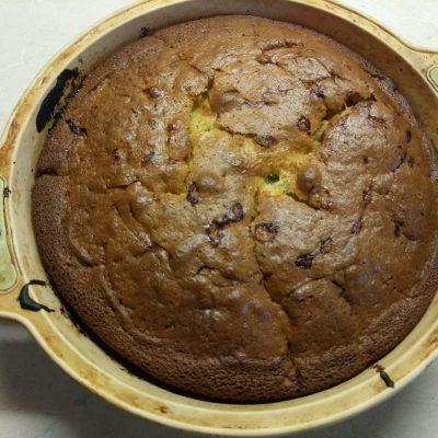 Фото рецепта - Пирог с крыжовником на йогурте - шаг 6