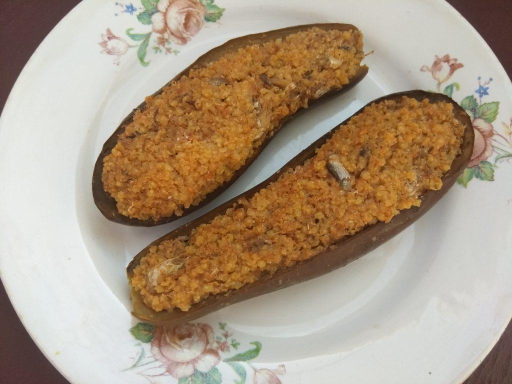 Фото рецепта - Баклажаны, фаршированные килькой и пшеном - шаг 5