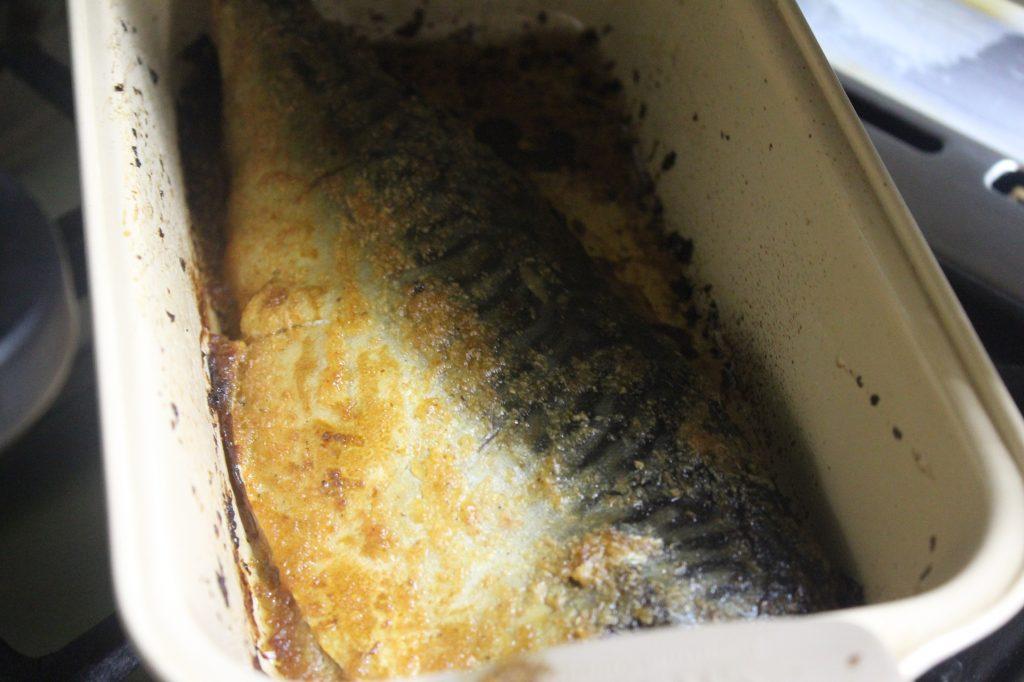 Фото рецепта - Запеченная скумбрия в луковом пюре - шаг 6