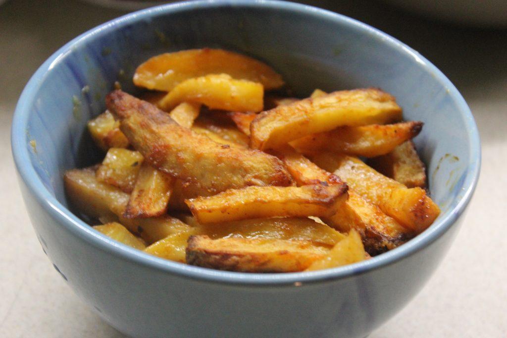 Фото рецепта - Хрустящая картошка в духовке - шаг 7