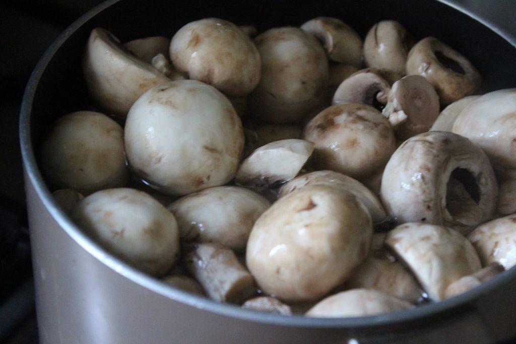 Фото рецепта - Хрустящие грибочки сухого посола - шаг 3