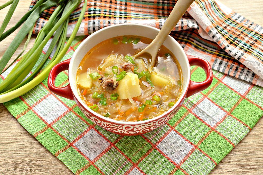Фото рецепта - Щи из белокочанной капусты с соленым огурцом и телятиной - шаг 10