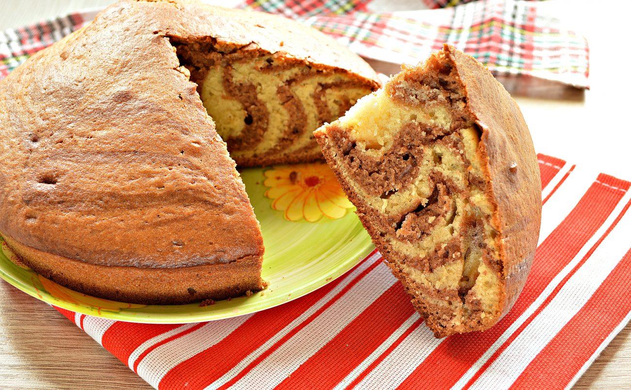 Пирог «Зебра» на кефире и растительном масле