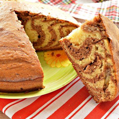 Пирог «Зебра» на кефире и растительном масле - рецепт с фото