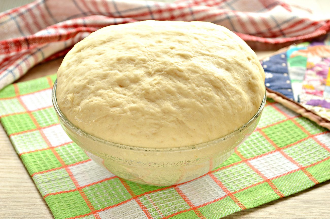Дрожжевое тесто для пирогов на кислом молоке