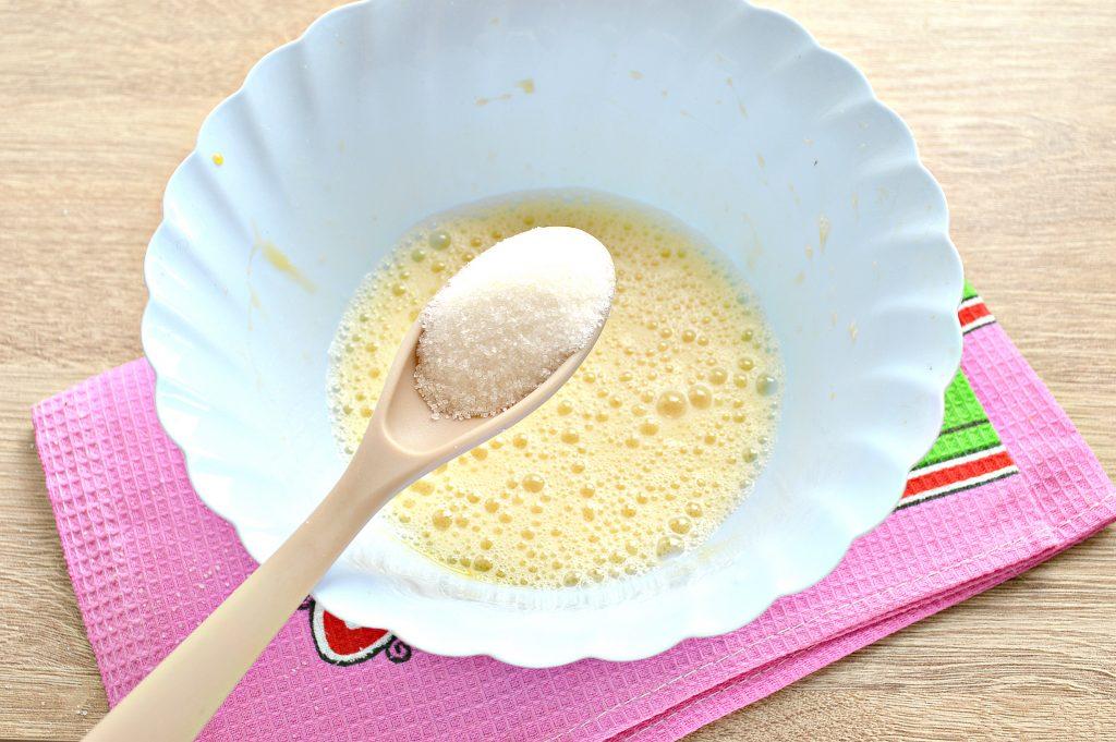 Фото рецепта - Тонкие блины на простокваше - шаг 2