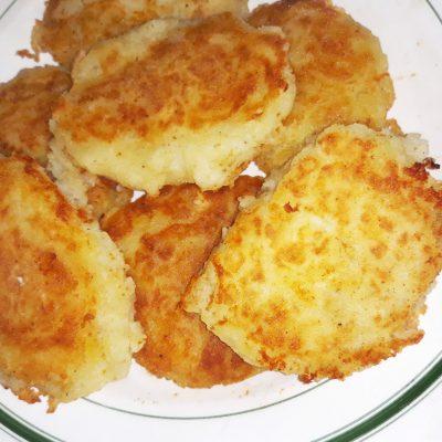 Картофельные котлеты на сковороде - рецепт с фото