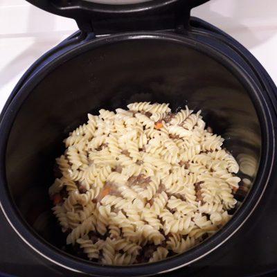 Фото рецепта - Макаронная запеканка с фаршем в мультиварке - шаг 10