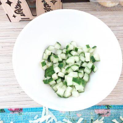 """Фото рецепта - Куриный салат """"Хрустик"""" с жареным картофелем и овощами - шаг 5"""
