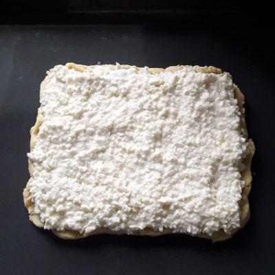 Фото рецепта - Пирог с творожной начинкой - шаг 7