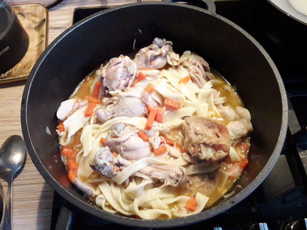 Фото рецепта - Домашняя лапша с курицей - шаг 10