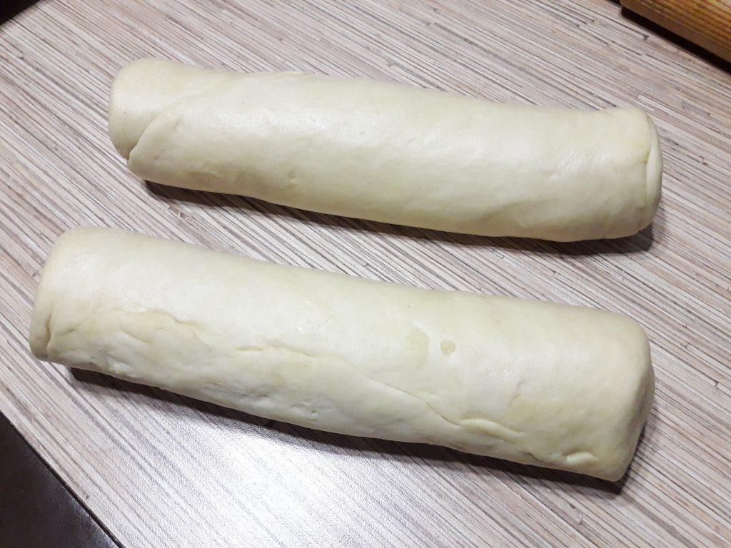 Фото рецепта - Французские булочки из дрожжевого теста с сахаром - шаг 11