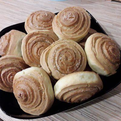 Французские булочки из дрожжевого теста с сахаром - рецепт с фото