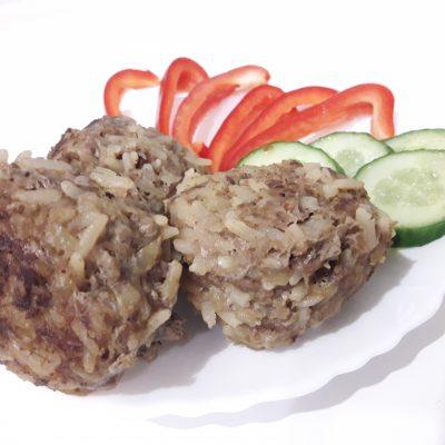 Фото рецепта - Ёжики с рисом из говядины - шаг 7