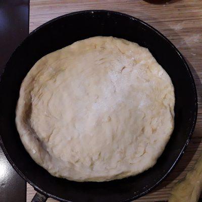 Фото рецепта - Пирог с повидлом на молоке - шаг 8